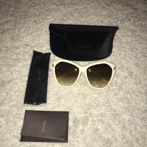 3994e0d7c94d  NEW  Tom Ford sunglasses